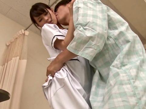 *企画*働く看護師の胸元は意外に隙だらけww白衣の天使に思わず欲情www
