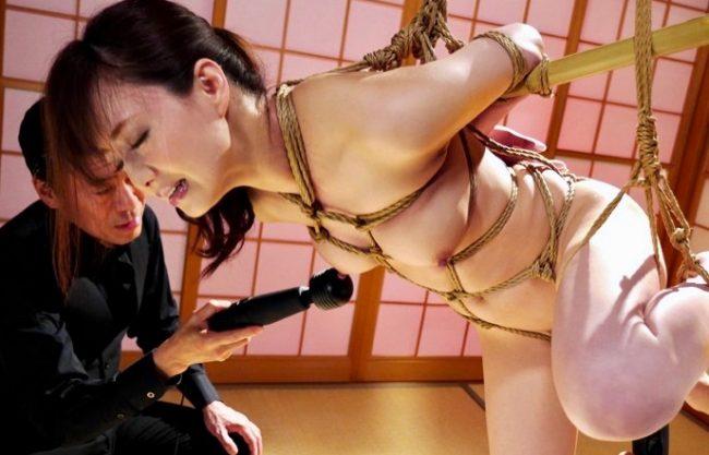 *吉沢明歩*正義をかざす女弁護士の身体に縄が食い込み姦堕ちwww