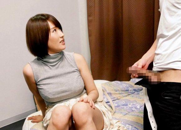 *ナンパ*「妊娠したらゴメンね!!」サークル後輩の女子大生にこっそりゴム破り生挿入ww