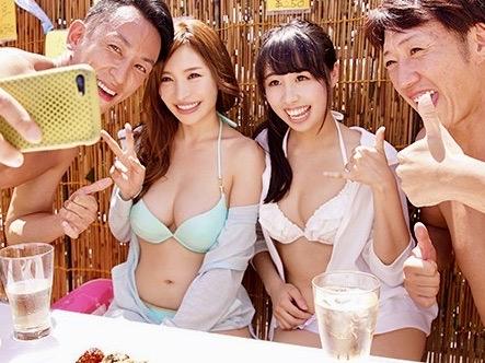 *ナンパ*リゾートビーチに遊びにきているビキニ娘はチンポを求めてボクらの家を訪れるヤリマン娘w