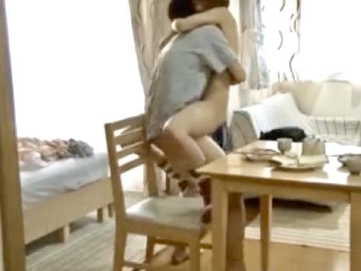 *川上奈々美*「向こうのベッドでヤろうか…」朝食もそっちのけで彼女の友人と生ハメ三昧ww