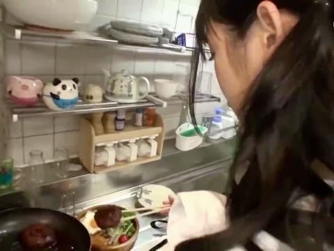 *星奈あい*「食事の前にエッチする?❤️」裸エプロンでの手料理いただく前にラブラブな彼女のオマンコを味見ww